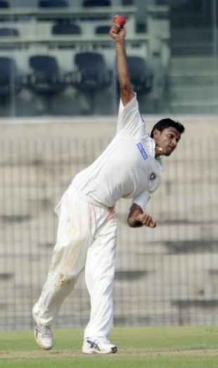 Kamlesh Makvana finished with a five-for, North Zone v West Zone, quarter-final, Duleep Trophy, 2nd day, Chennai, October 7, 2012