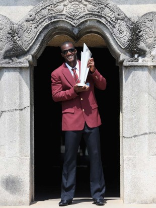 West Indies captain Darren Sammy with the World Twenty20 trophy, Colombo, October 8, 2012