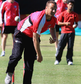 Stuart Clark bowls in the nets, Champions League T20, Cape Town, October 17, 2012
