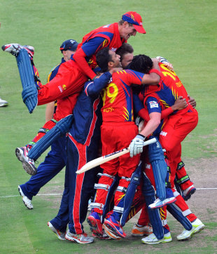 Lions are a picture of joy after qualifying for the semi-finals, Lions v Yorkshire, Champions League T20, Group B, Johannesburg, October 20, 2012