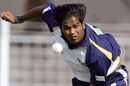 Nuwan Zoysa bowls during a nets session, Rajkot, 2005