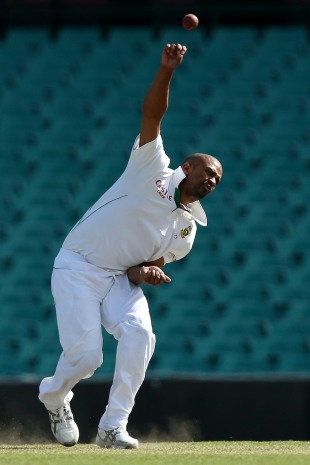 Vernon Philander failed to take a wicket on the opening day of the tour game, Australia A v South Africans, Sydney, 1st day, November 2, 2012