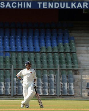 Sachin Tendulkar at the Wankhede stadium, Mumbai v Railways, Group A, Ranji Trophy 2012-13, Mumbai, November 2, 2012
