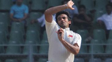 Zaheer Khan bowls for Mumbai