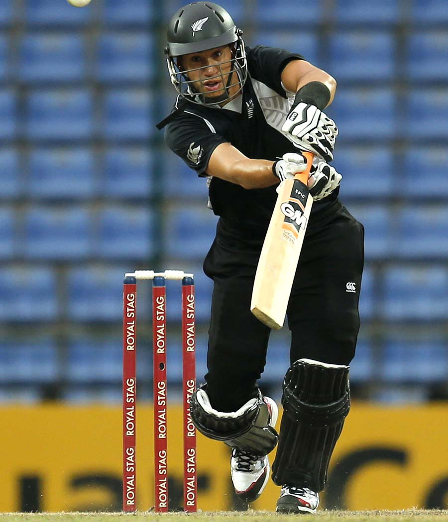 Ross Taylor scored 72, Sri Lanka v New Zealand, 2nd ODI, Pallekele, November 4, 2012