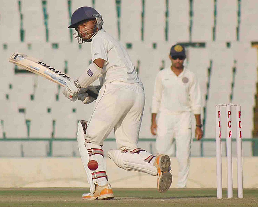 Jiwanjot Singh plays a ball towards the leg side