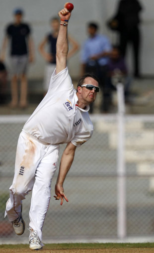 Graeme Swann claimed three wickets, India A v England XI, tour match, Mumbai, 1st day, October 30, 2012