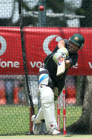 Rob Quiney bats in the nets, Brisbane, November 6, 2012