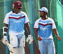 Narsingh Deonarine has a chat with Chris Gayle, Mirpur, November 7, 2012