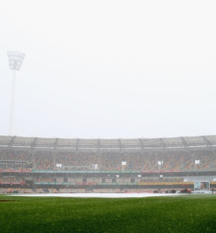 Heavy rain delays play, Australia v South Africa, first Test, day two, Brisbane, November 10, 2012