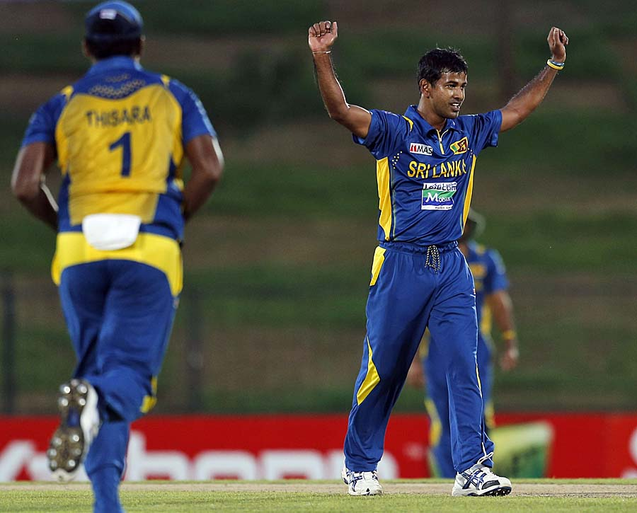 Kulasekara took the early wicket of Rob Nicol
