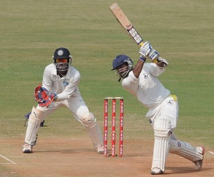 Dinesh Karthik scored an unbeaten 154, Tamil Nadu v Karnataka, Group B, Ranji Trophy, 2nd day, Chennai, November 10, 2012