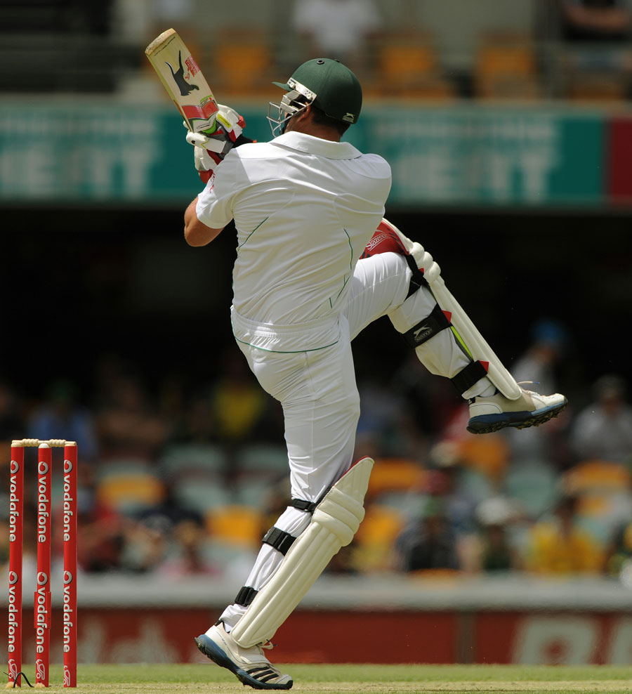Jacques Kallis sends the ball towards square leg