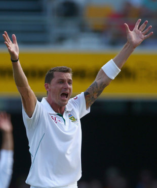 Dale Steyn produced an early breakthrough, Australia v South Africa, first Test, day three, Brisbane, November 11, 2012