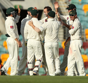 Nathan Lyon and the rest celebrate a late strike, Australia v South Africa, 1st Test, Brisbane, 5th day, November 13, 2012