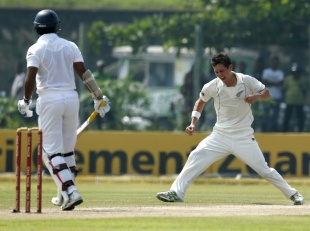 Trent Boult had Kumar Sangakkara caught at slip, Sri Lanka v New Zealand, 1st Test, Galle, 2nd day, November 18, 2012