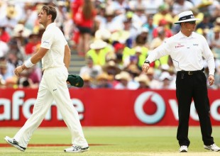 James Pattinson walks off to have his side pain assessed, Australia v South Africa, 2nd Test, Adelaide, 3rd day, November 24, 2012