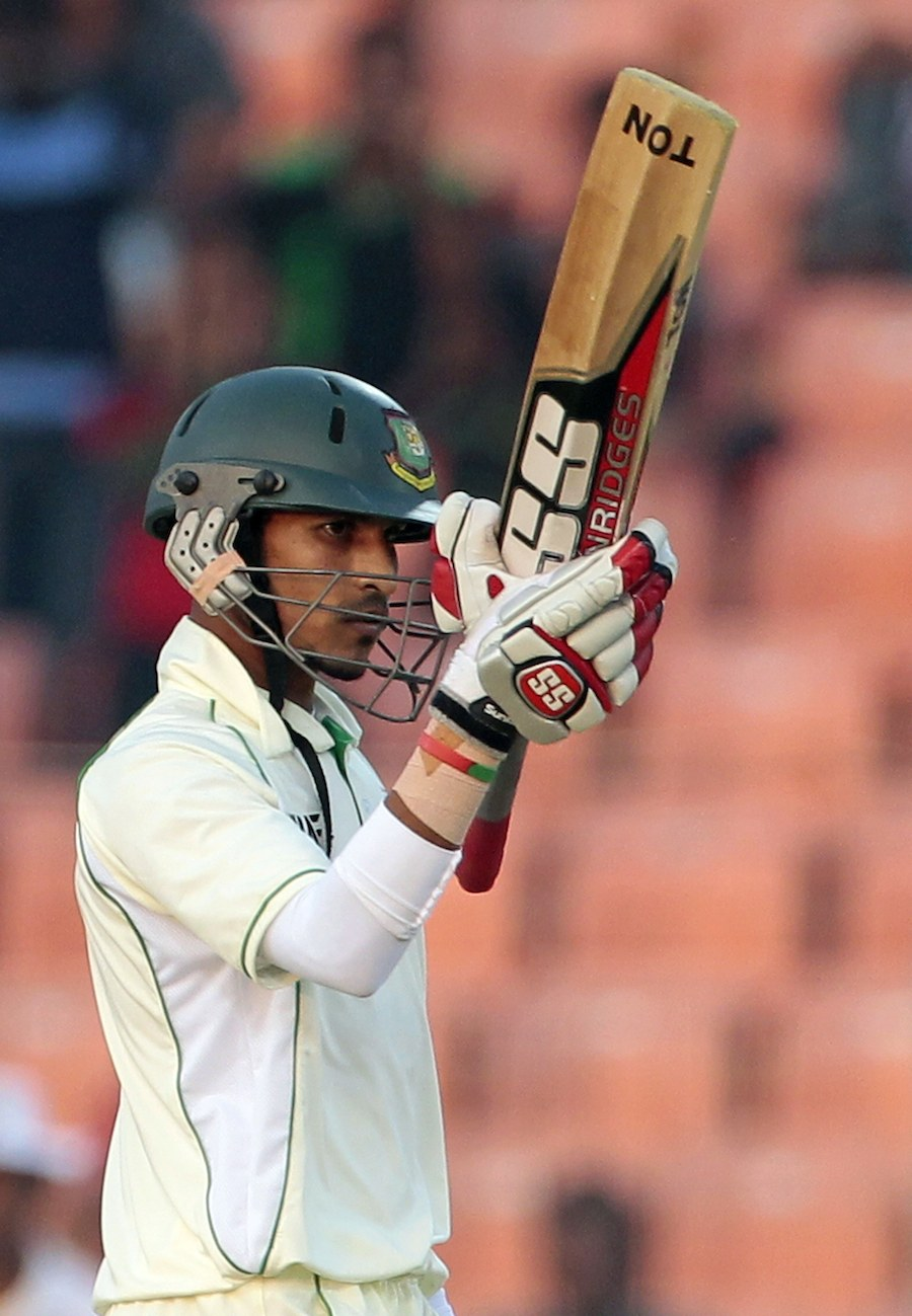 Nasir Hossain brings up his half-century