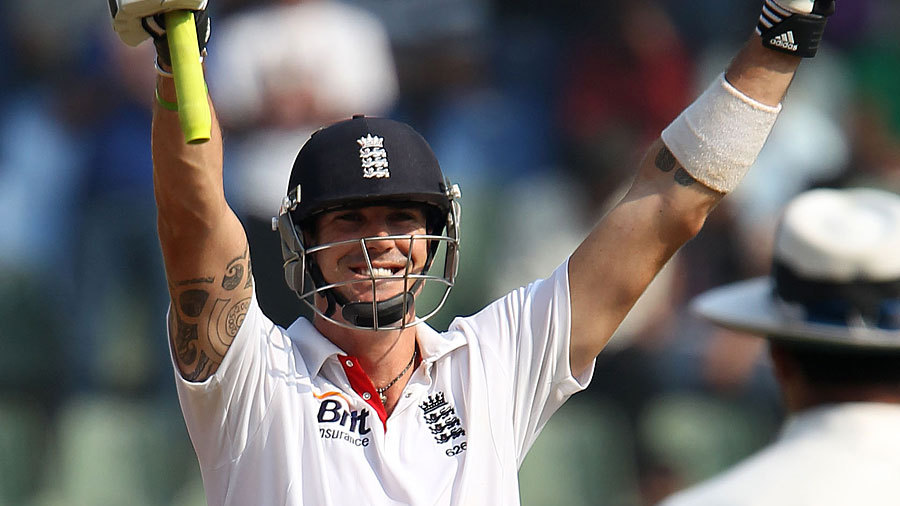 Kevin Pietersen celebrates his hundred