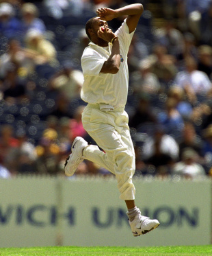 Courtney Walsh took two wickets in the first innings, Australia v West Indies, 4th Test, 2nd day, December 27, 2000