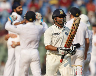 Sachin Tendulkar fell lbw to Monty Panesar, India v England, 2nd Test, Mumbai, 2nd day, November 25, 2012