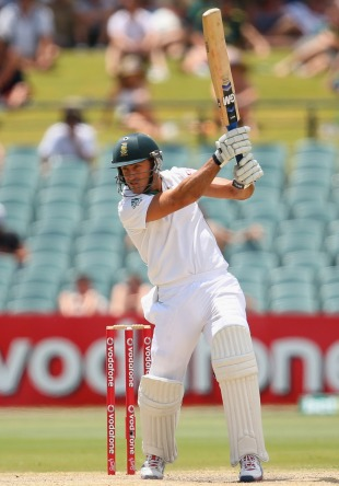 Faf du Plessis works the ball through the off side, Australia v South Africa, 2nd Test, Adelaide, 5th day, November 26, 2012