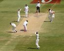 Ben Hilfenhaus collides with David Warner as Faf du Plessis is dropped by Matthew Wade, Australia v South Africa, 2nd Test, Adelaide, 5th day, November 26, 2012