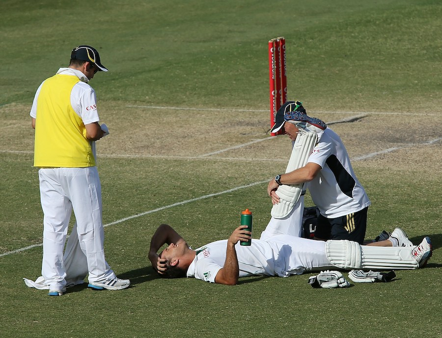 Faf du Plessis is treated for cramps