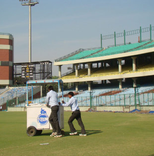 The drinks trolley is brought out, Delhi v Tamil Nadu, Ranji Trophy,  3rd day, Delhi, November 26, 2012