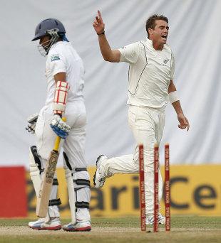 Tillakaratne Dilshan was bowled through the gate by Tim Southee, Sri Lanka v New Zealand, 2nd Test, Colombo, 2nd day, November 26, 2012