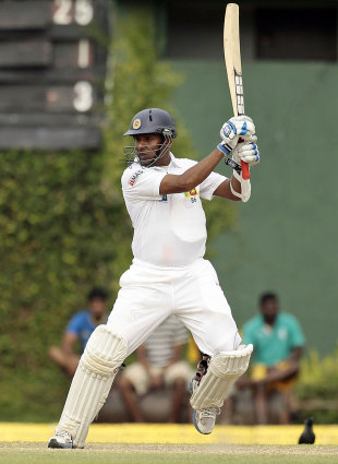 Thilan Samaraweera plays it through the off side, Sri Lanka v New Zealand, 2nd Test, Colombo, 3rd day, November 27, 2012