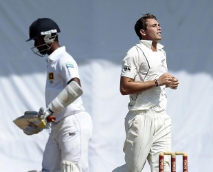 Tim Southee had Nuwan Kulasekara edging to slip to claim five wickets, Sri Lanka v New Zealand, 2nd Test, Colombo, 4th day, November 28, 2012