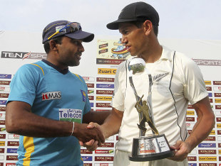 Ross Taylor and Mahela Jayawardene shake hands after squaring the series, Sri Lanka v New Zealand, 2nd Test, Colombo, 5th day, November 29, 2012