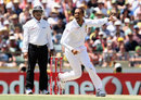 Robin Peterson helped clean up Australia's tail, Australia v South Africa, 3rd Test, 2nd day, Perth, December 1, 2012