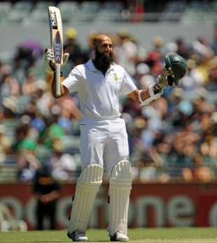 Hashim Amla reaches his century, Australia v South Africa, third Test, day three, Perth, December 2, 2012