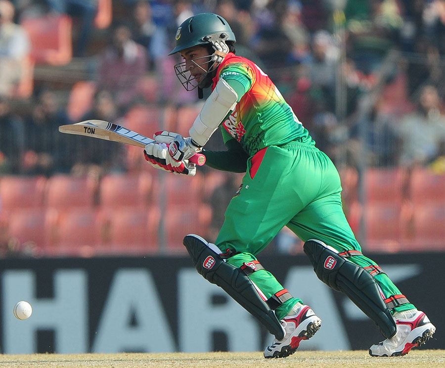 Mushfiqur Rahim on his way to 79