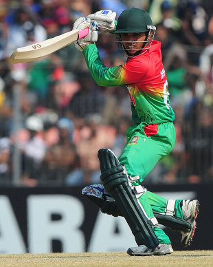 Mominul Haque punches it through the off side, Bangladesh v West Indies, 2nd ODI, Khulna, December 2, 2012