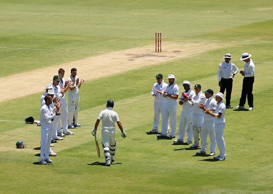 South Africa give Ricky Ponting a guard of honour