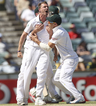 Dale Steyn is pumped after claiming the wicket of Michael Hussey, Australia v South Africa, 3rd Test, Perth, 4th day, December 3, 2012