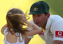 Ricky Ponting talks to his daughter, Australia v South Africa, 3rd Test, Perth, 4th day, December 3, 2012