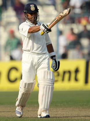 Sachin Tendulkar acknowledges the applause for his half-century, India v England, 3rd Test, Kolkata, 1st day, December 5, 2012