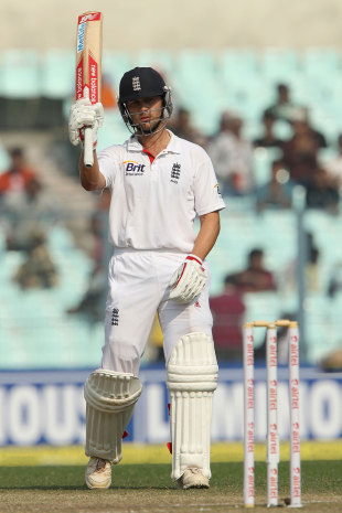 Jonathan Trott recorded his Test first half-century of the tour, India v England, 3rd Test, Kolkata, 3rd day, December 7, 2012