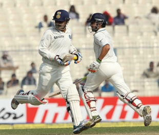 Virender Sehwag and Gautam Gambhir gave India a quick start, India v England, 3rd Test, Kolkata, 4th day, December 8, 2012