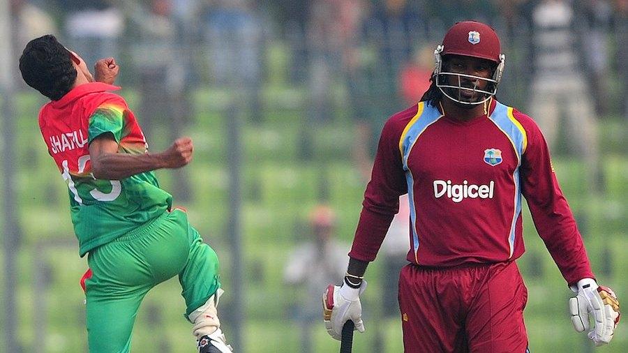 Shafiul Islam celebrates Chris Gayle's wicket