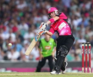 Brad Haddin scored a responsible half-century to lead Sixers to victory, Sydney Sixers v Sydney Thunder, Big Bash League, Sydney, December 8, 2012