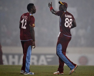 Darren Sammy has a word with Andre Russell, Bangladesh v West Indies, 5th ODI, Mirpur, December 8, 2012