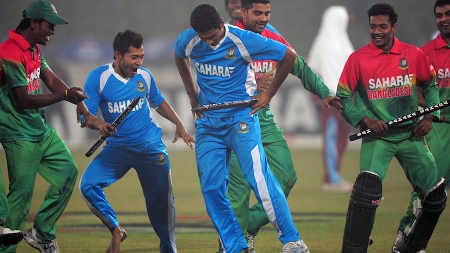 Mahmudullah and Mushfiqur Rahim lead Gangnam Style celebrations