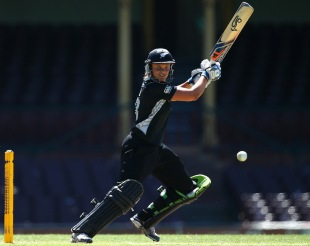 Suzie Bates scored her third ODI century, Australia v New Zealand, 1st Women's ODI, Sydney, December 12, 2011