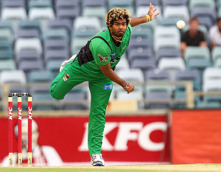 Lasith Malinga sends down a delivery, Perth Scorchers v Melbourne Stars, Big Bash League, Perth, December 12, 2012