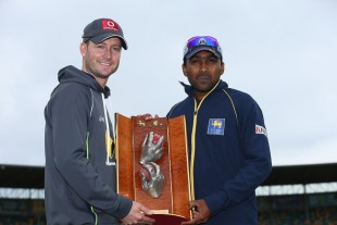 Michael Clarke and Mahela Jayawardene with the Warne-Muralitharan Trophy, Hobart, December 13, 2012